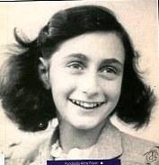 """""""De passagem… pelo holocausto """""""