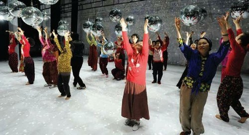 Dancing Grandmothers / Eun-Me Ahn