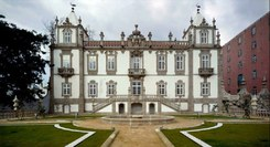 Palácio do Freixo - Ruína e regeneração